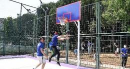 Kadıköy'de basketbol sahalarına sanatsal dokunuş