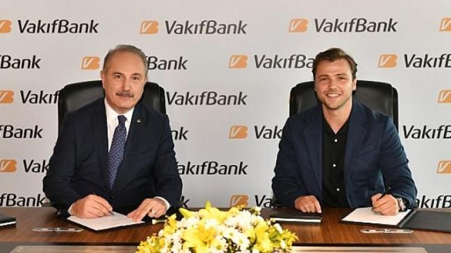 VakıfBank'ın yeni marka yüzü Tolga Sarıtaş oldu