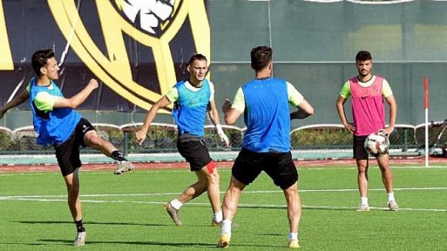 Aliağaspor FK İzmirspor'a Hazırlanıyor