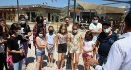 Çevreci çocuklar Efes Tarlası Yaşam Köyü'nde