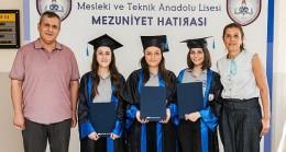 Dilek Sabancı eğitim ödülleri bu yıl üç kız öğrencinin oldu