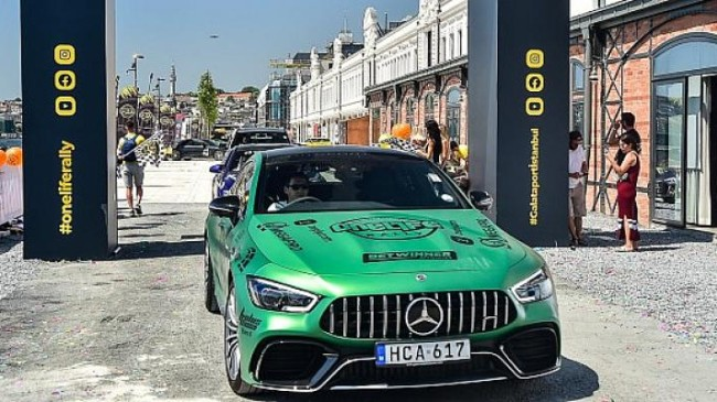 Galataport İstanbul'da tasarım ve mühendislik harikası süper otomobiller sergisi