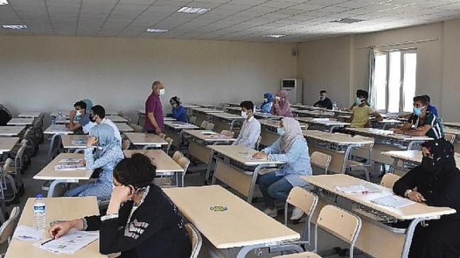 Harran Üniversitesi'nde Yabancı Öğrenci Sınavının İkincisi Yapıldı
