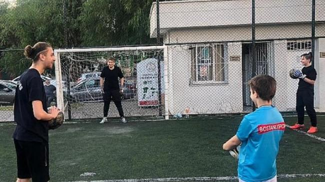 Karşıyaka Kaleci Okulu Açıldı
