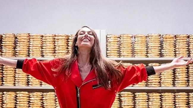 Magnum Caramel Gold'un haz dolu dünyası La Casa de Papel ile buluştu.