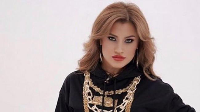Romina müzik dünyasını kasıp kavuruyor