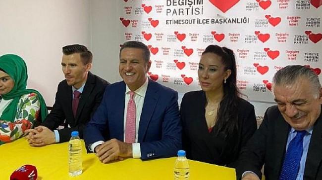 TDP Genel Başkanı Mustafa Sarıgül, Ankara Etimesgut İktidara Hazırlık Merkezine ziyaret gerçekleştirdi ve gündeme dair açıklamalarda bulundu.