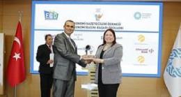 Endüstri Radyo'ya bir ödül de KOBİ'lerin Koçu, Finans Doktoru programına verildi